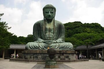 La grande statue de Bouddha en bronze à Kamakura