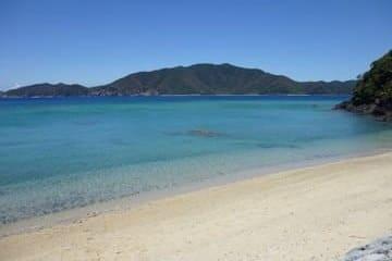 Une plage paradisiaque des îles Amami