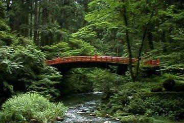 Visiter les montagnes sacrés et ses décors verts