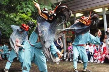 Festival de danse durant l'été japonais