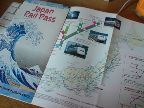 Une brochure avec la carte du Japan Railways