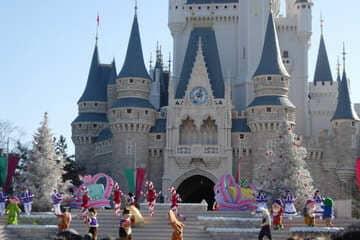 La château de Cendrillon au parc Disneyland de Tokyo
