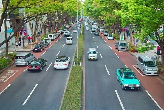Les deux sens de circulation de la route au Japon